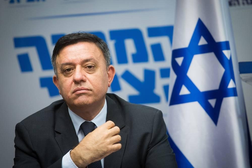 El presidente de la Unión Sionista Avi Gabbay encabeza una reunión de facciones en Knesset el 7 de mayo de 2018. (Miriam Alster / Flash 90)