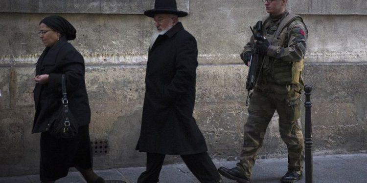 En una encuesta francesa, la mayoría dice que el sionismo es una conspiración judía mundial