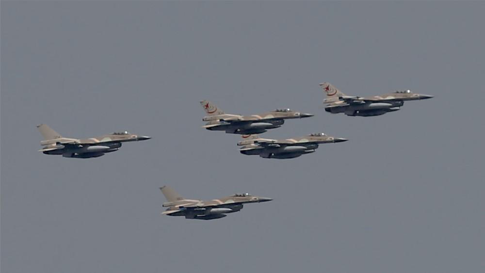 Escuadrón de aviones de combate israelíes.
