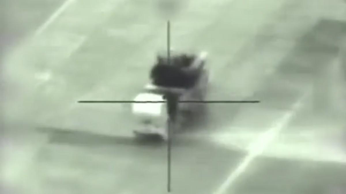 Un momento antes de que un misil israelí destruya un sistema de defensa aérea SA-22 sirio el 10 de mayo de 2018. (Fuerzas de Defensa de Israel)