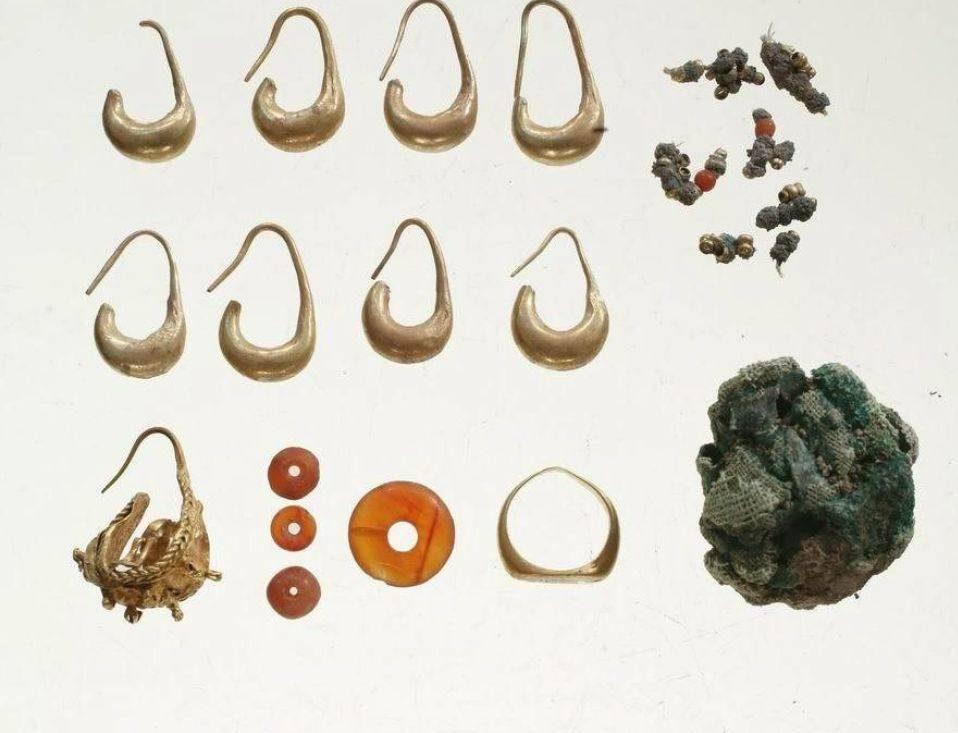 Perlas encontradas ocultas en Tel Megiddo, de hace unos 3.000 años. Crédito: La expedición Megiddo, por Pavel Shrago.