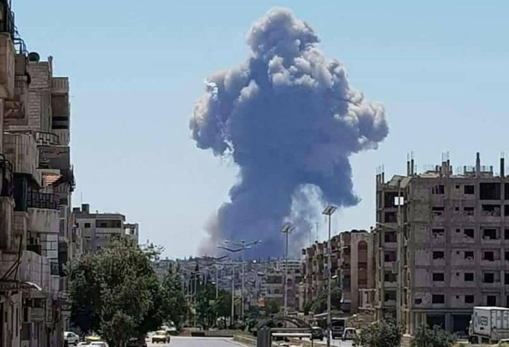Se reportan grandes explosiones en base de la fuerza aérea siria