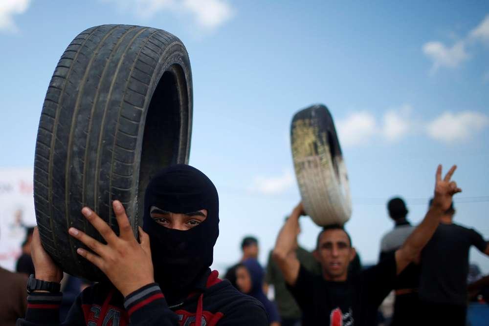 10.000 islamitas na fronteira com Gaza, antes da inauguração da embaixada dos EUA UU