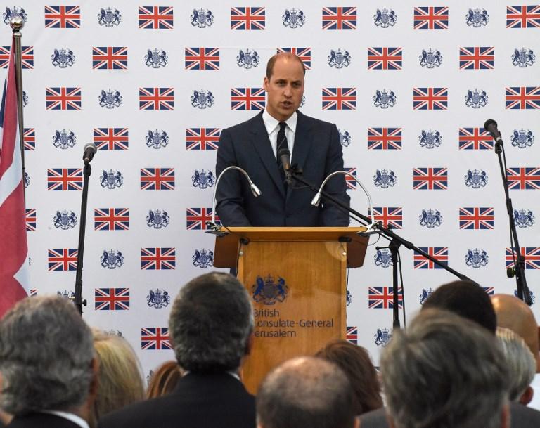 El Príncipe William de Gran Bretaña pronuncia un discurso durante una recepción en el consulado británico en Jerusalén el 27 de junio de 2018. (AFP PHOTO / POOL / DEBBIE HILL)