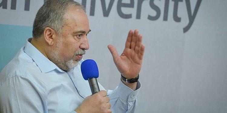 Liberman pregunta a ciudadanos iraníes '¿A dónde se fue su dinero?'