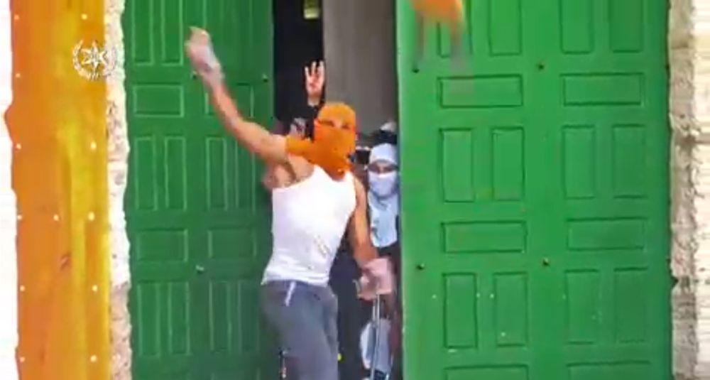 Palestinos atacan a turistas desde la mezquita Al-Aqsa en el Monte del Templo