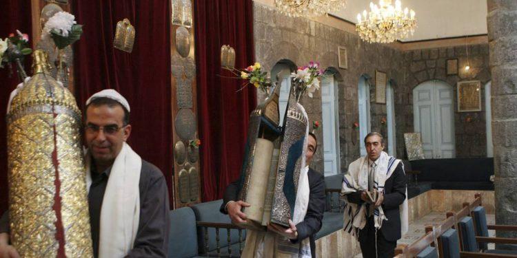 Los rollos de la Torá desaparecen de la sinagoga de Damasco en la niebla de la guerra de Siria
