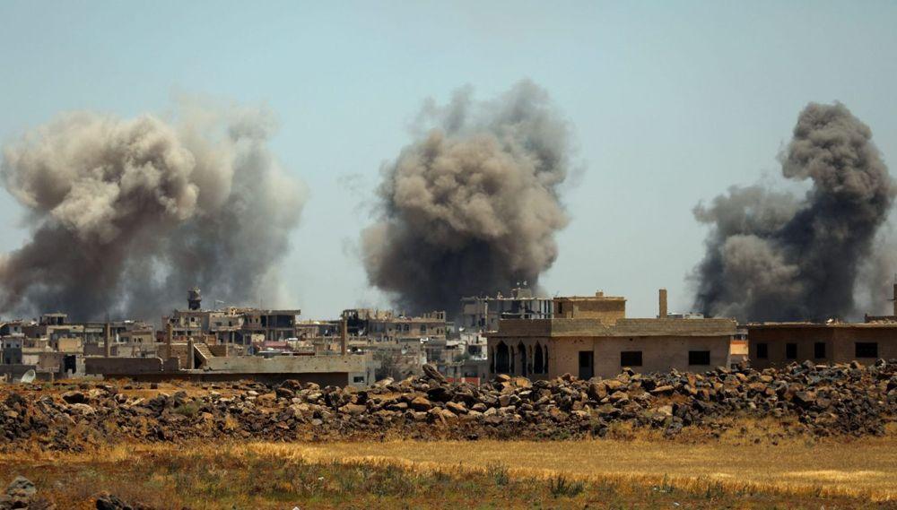 Un ataque aéreo de régimen en la región siria de Dera'a el lunes 25 de junio de 2018ALAA AL-FAQIR (Reuters)