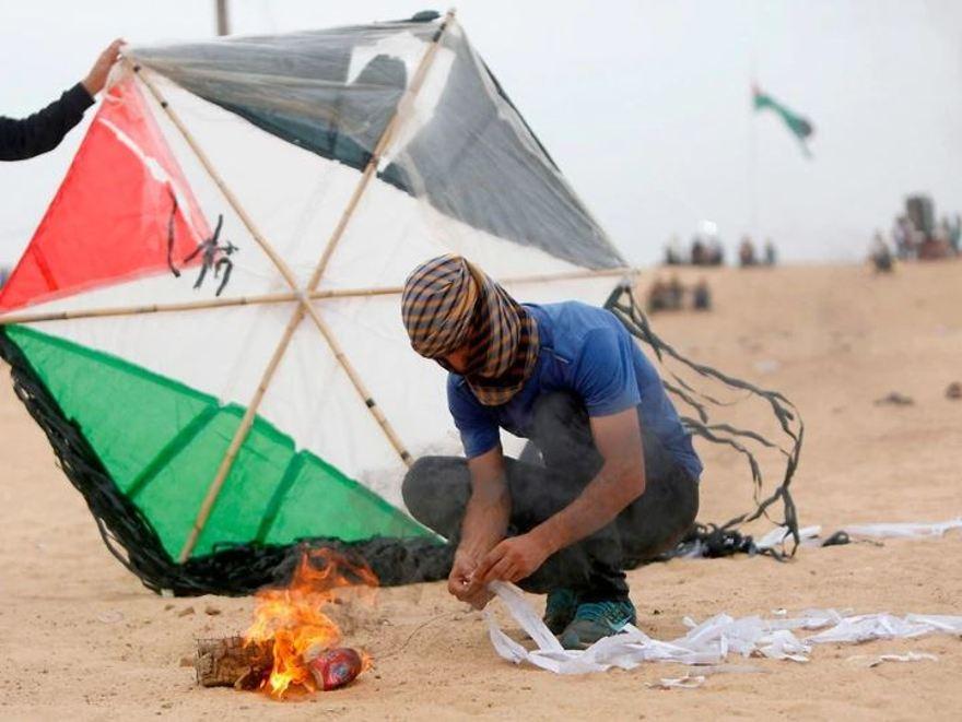 Palestinos Preparan 5,000 Bombas De Cometas En Gaza Para Marcar El Final Del Ramadán