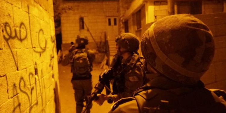 FDI arresta a cuatro periodistas de Hamas en una incursión en Judea y Samaria