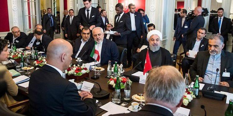 Irán y las potencias mundiales se reunirán el viernes sobre acuerdo nuclear en Viena