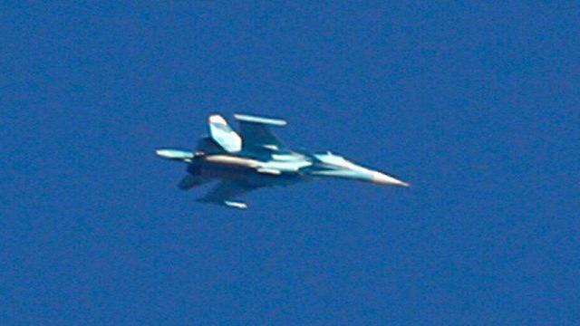 Avión de combate Sukhoi visto cerca de la frontera de Israel (Foto: AFP)