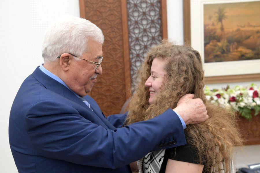 """Abbas elogia a Ahed Tamimi """"un modelo para la resistencia palestina"""""""