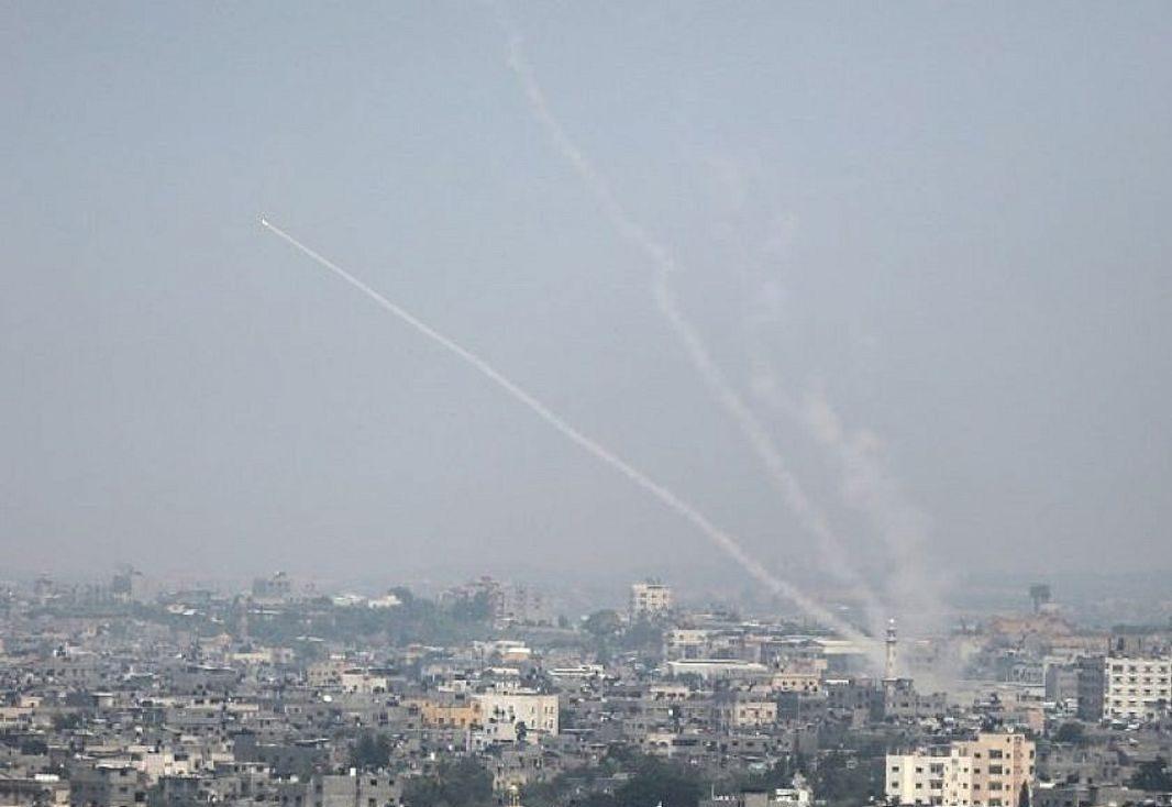 Terroristas de Gaza disparan tres cohetes hacia Israel