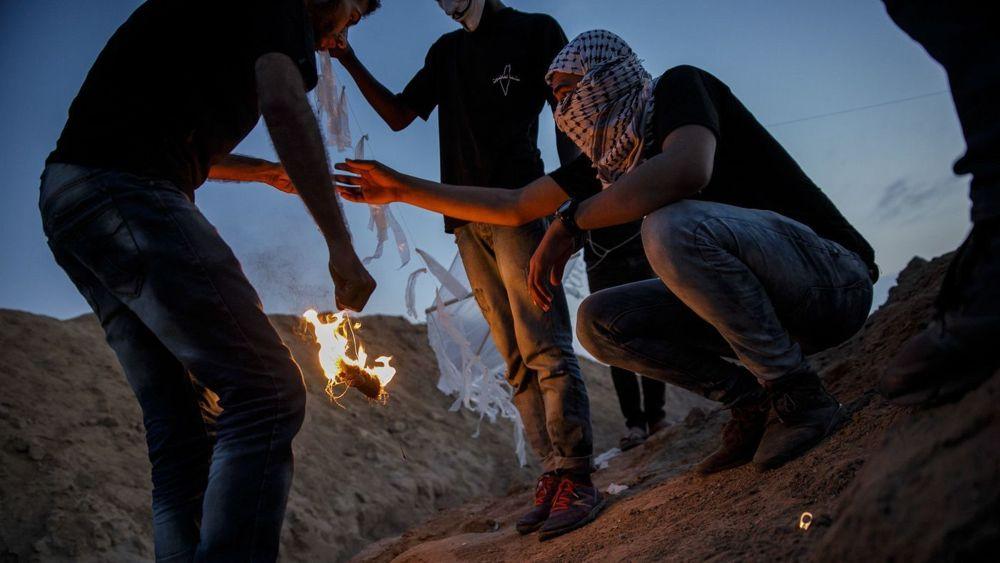 Ejército israelí ataca y hiere a tres islamistas incendiarios de Gaza