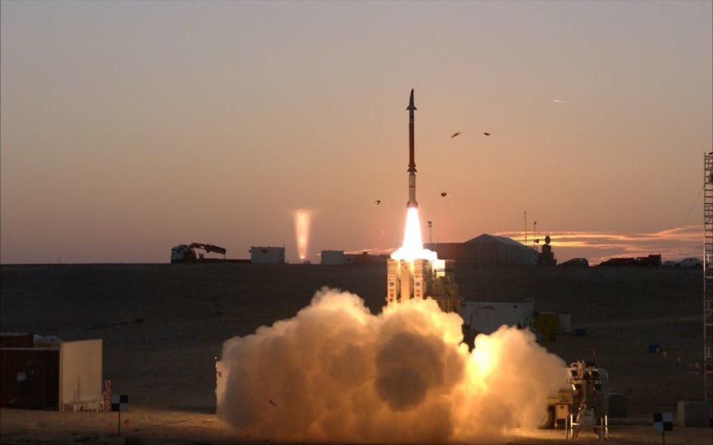 Una prueba del sistema de defensa de misiles David Sling (Ministerio de Defensa)