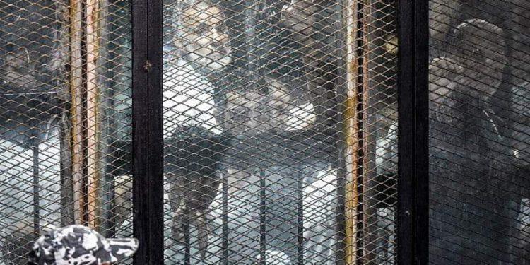 Egipto condena a 11 líderes de la Hermandad Musulmana a cadena perpetua por espionaje
