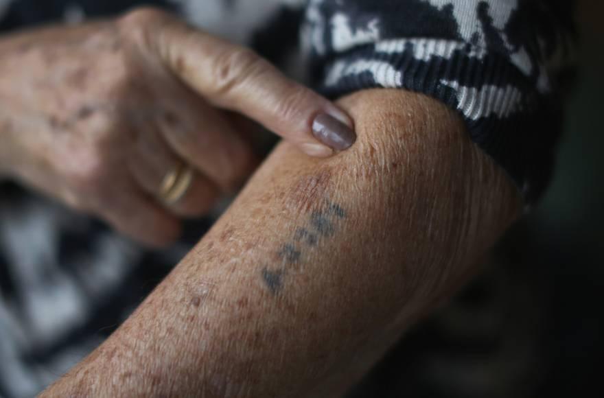 Alemania acuerda $ 88 millones más para sobrevivientes del Holocausto