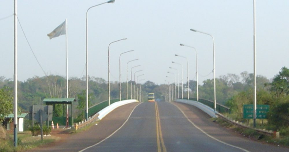 Puente Internacional Tancredo Neves entre Brasil y Argentina. (CC BY Albasmalko, Wikimedia Commons)