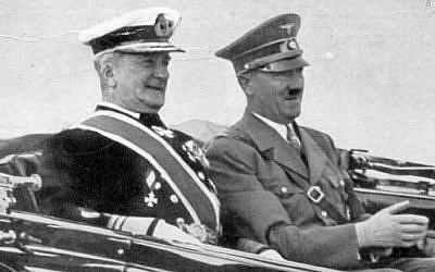 Regente de Hungría Miklós Horthy de Nagybánya (izquierda) con Adolf Hitler, año no especificado (Wikimedia Commons)
