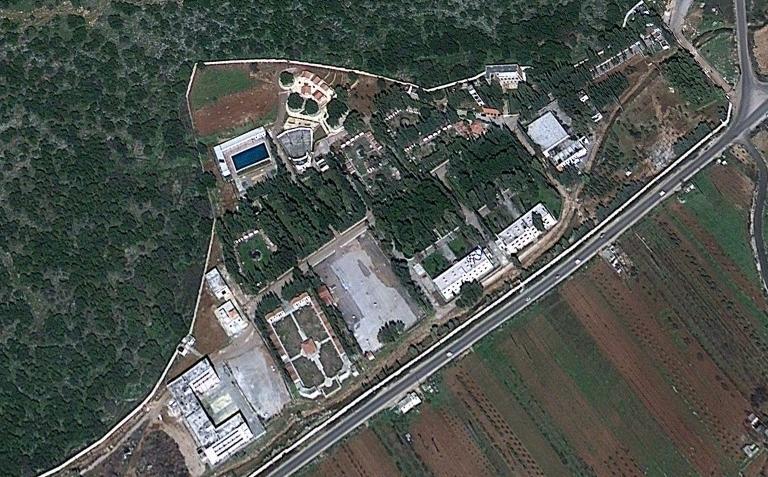 Imagen satelital de una instalación de CERS cerca de Masyaf golpeada según se informa por un ataque aéreo israelí, 7 de septiembre de 2017 (captura de pantalla: Google Earth)