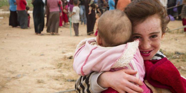 Israel proporciona más ayuda humanitaria a sirios desplazados en el Golán