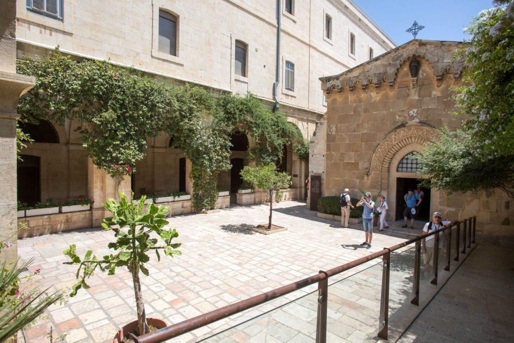 Dentro del Monasterio de la Flagelación. El edificio del museo es muy antiguo: una sección, que lleva el nombre de Casa de Herodes (donde viven actualmente tres monjas), tiene 2.000 años de antigüedad. (Emil Salman)