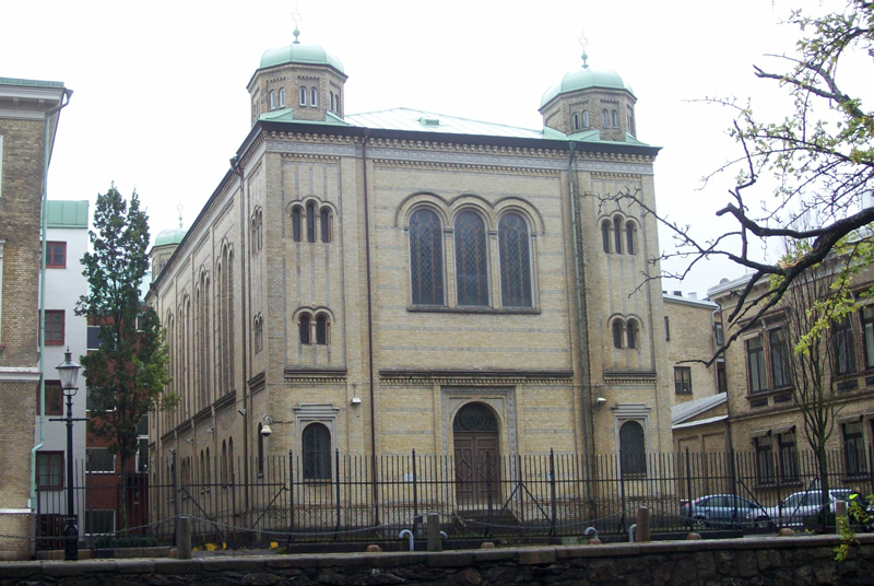 La sinagoga en Gotemburgo, Suecia fue bombardeada el 9 de diciembre de 2017. (Fuente de la imagen: Lintoncat / Wikimedia Commons)