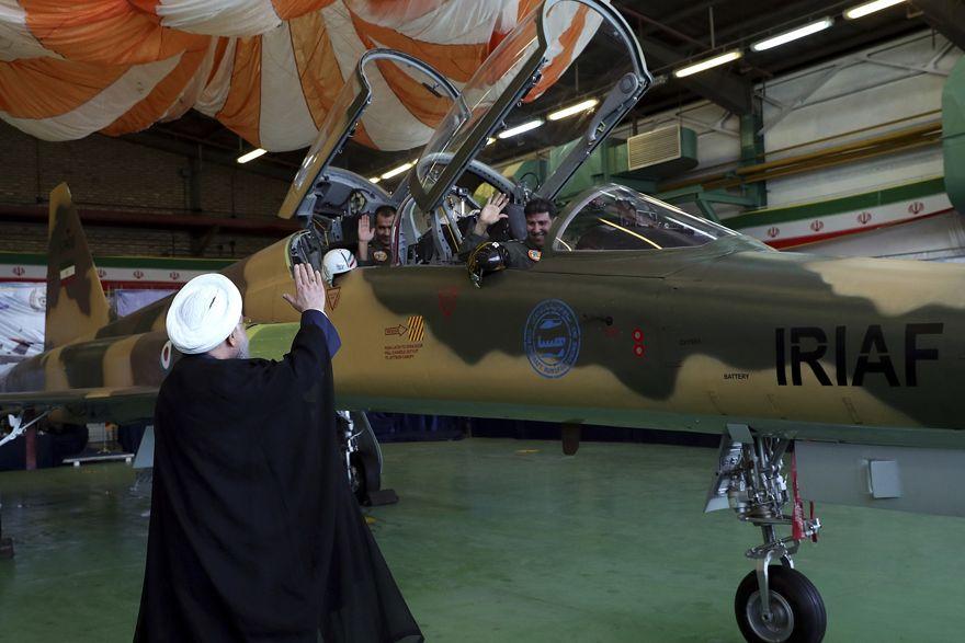 """Israel dice que avión de combate """"indígena"""" de Irán es una copia de F-5 obsoleto"""