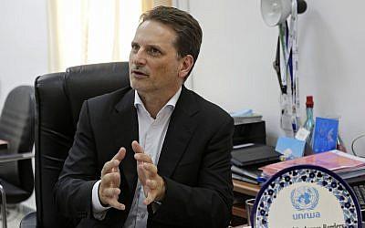 El jefe del UNRWA, Pierre Krahenbuhl, durante una entrevista con The Associated Press en Jerusalem, el 23 de agosto de 2018. (AP / Mahmoud Illean)