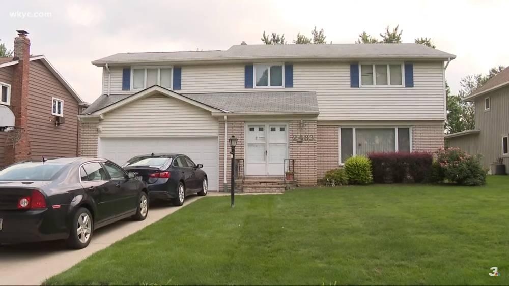 La casa del Dr. Richard Warn donde se encontró su cuerpo, 9 de agosto de 2018, Beachwood, Ohio (captura de pantalla de YouTube WKYC Canal 3)
