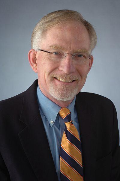 David M. Crane (cortesía de la Universidad de Syracuse)