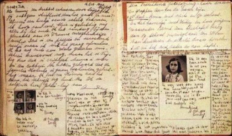 El diario de Ana Frank. Los manuscritos originales fueron donados por Otto Frank a la Casa que lleva el nombre de su hija.
