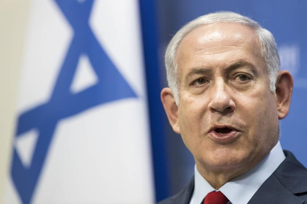 El primer ministro Benjamin Netanyahu habla durante una conferencia de prensa tras su reunión con el primer ministro de Lituania, Saulius Skvernelis, en la sede del gobierno en Vilna, Lituania, el jueves 23 de agosto de 2018. (AP Photo / Mindaugas Kulbis)