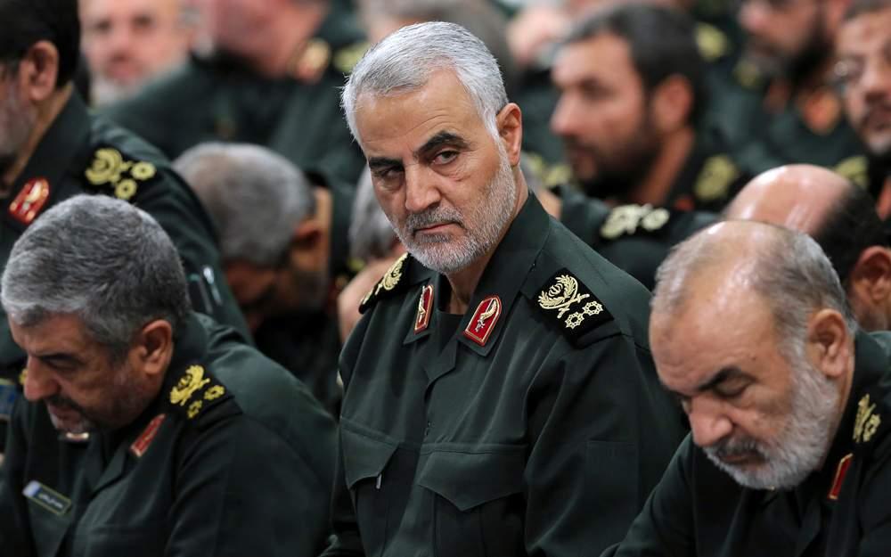 El general de la Guardia Revolucionaria Qassem Soleimani asiste a una reunión con el líder supremo Ayatollah Ali Khamenei y los comandantes de la Guardia Revolucionaria en Teherán, Irán.18 de septiembre de 2016. (Oficina del Líder Supremo iraní a través de AP)