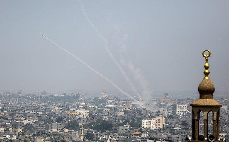 Ilustrativo.Una fotografía tomada el 14 de julio de 2018 muestra que se dispararon cohetes palestinos desde Gaza hacia Israel (AFP / Bashar Taleb)