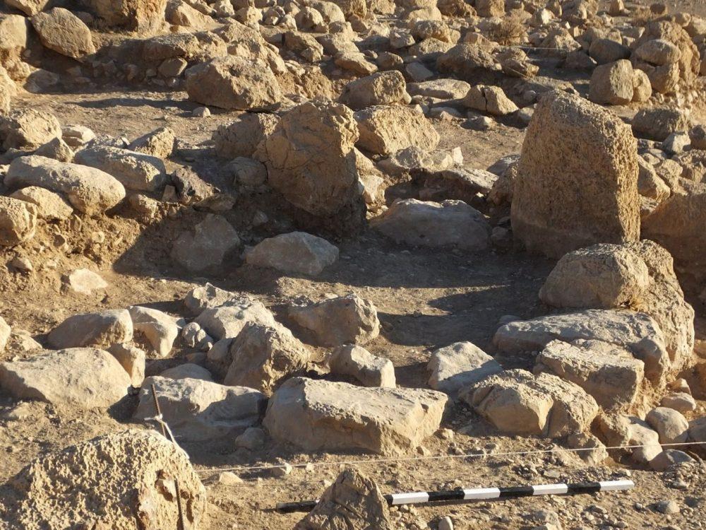 Una pequeña estructura excavada en Khirbet el-Mastarah con paredes hechas de piedras de pie: tal vez acorralaba a los animales domésticos de los antiguos israelitas El Proyecto de Excavación del Valle del Jordán
