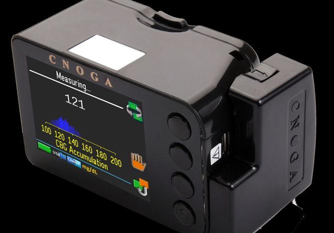Glucómetro no invasivo de Cnoga Medical. Foto cortesía