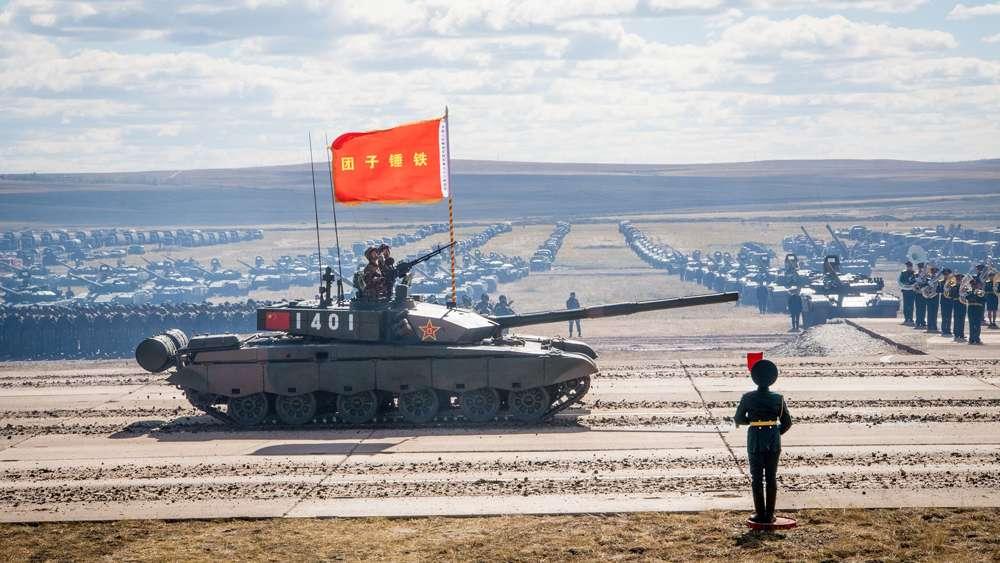 Un tanque Tipo 99 del ejército chino