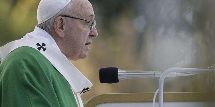 Papa Francisco anhela la paz entre Israel y los palestinos en mensaje por Navidad