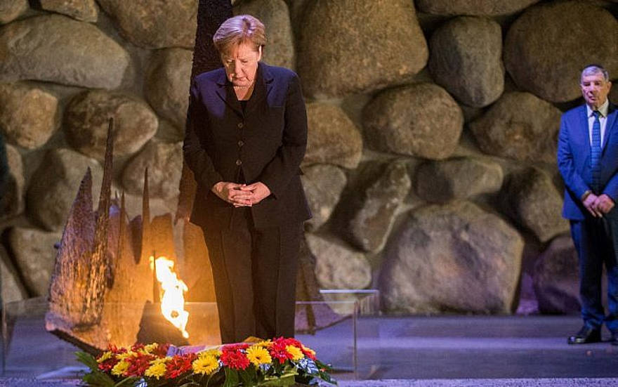 """En Yad Vashem, Merkel dice que Alemania tiene el deber """"eterno"""" de combatir el antisemitismo"""