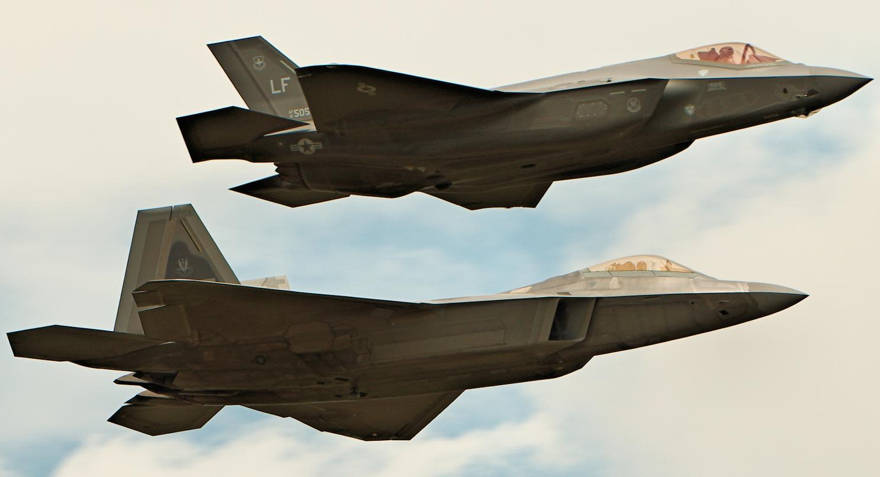 Los cazas furtivos F-22 y F-35 sufren de un gran problema