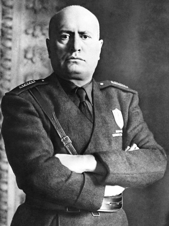 El dictador italiano Benito Mussolini, que había alquilado la villa sobre la catacumba judía en Roma. AP