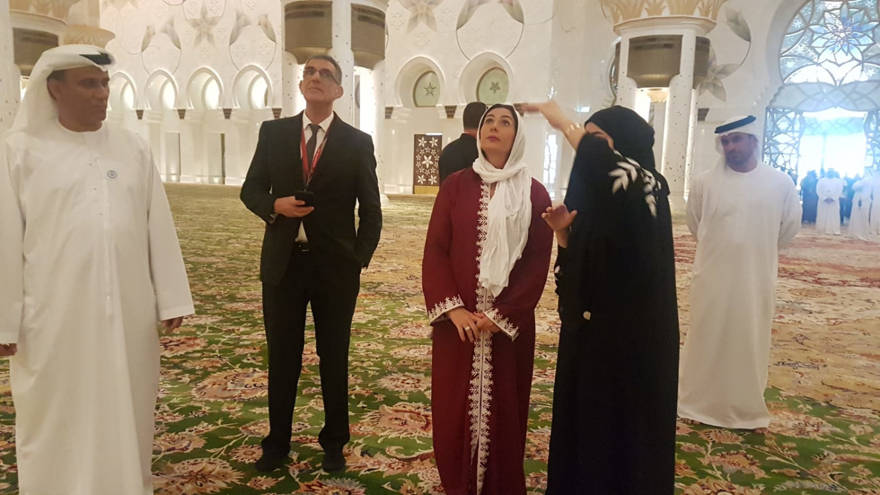 Haciendo historia: Miri Regev es la primera ministra israelí en visitar la gran Mezquita de Abu Dhabi