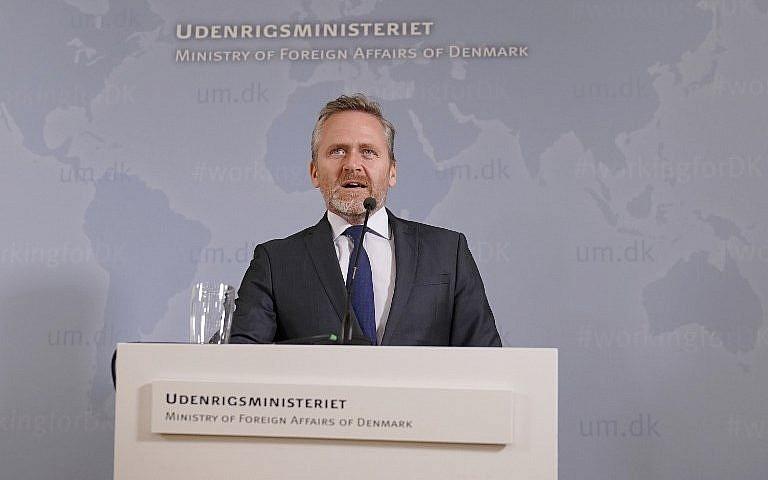El ministro de Relaciones Exteriores danés, Anders Samuelsen, da una conferencia de prensa en Copenhague, el 30 de octubre de 2018. (Martin Sylvest / Ritzau Scanpix / AFP)