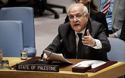 El Embajador palestino ante las Naciones Unidas, Riyad Mansour, habla durante una reunión del Consejo de Seguridad de la ONU sobre la violencia en la frontera de Israel y la Franja de Gaza, en la sede de las Naciones Unidas, el 15 de mayo de 2018 en la ciudad de Nueva York. (Drew Angerer / Getty Images / AFP)