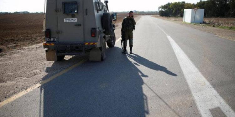 Comandante de la policía de la Autoridad Palestina suspendido por ayudar a israelíes a reparar un neumático