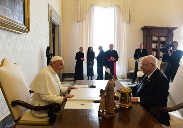 l presidente Reuven Rivlin se reúne con el Papa Francisco en el Vaticano el jueves 15 de noviembre de 2018