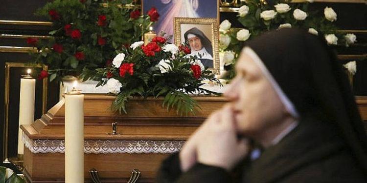 Monja polaca que salvó a judíos durante el Holocausto falleció a los 110 años