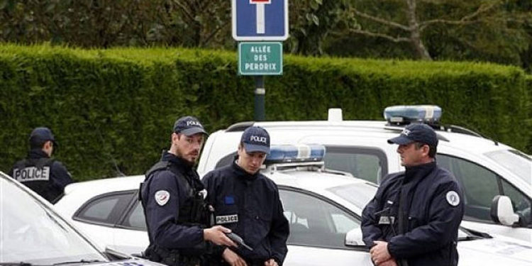 Casa de alcalde judío en Francia es vandalizada con graffiti antisemita